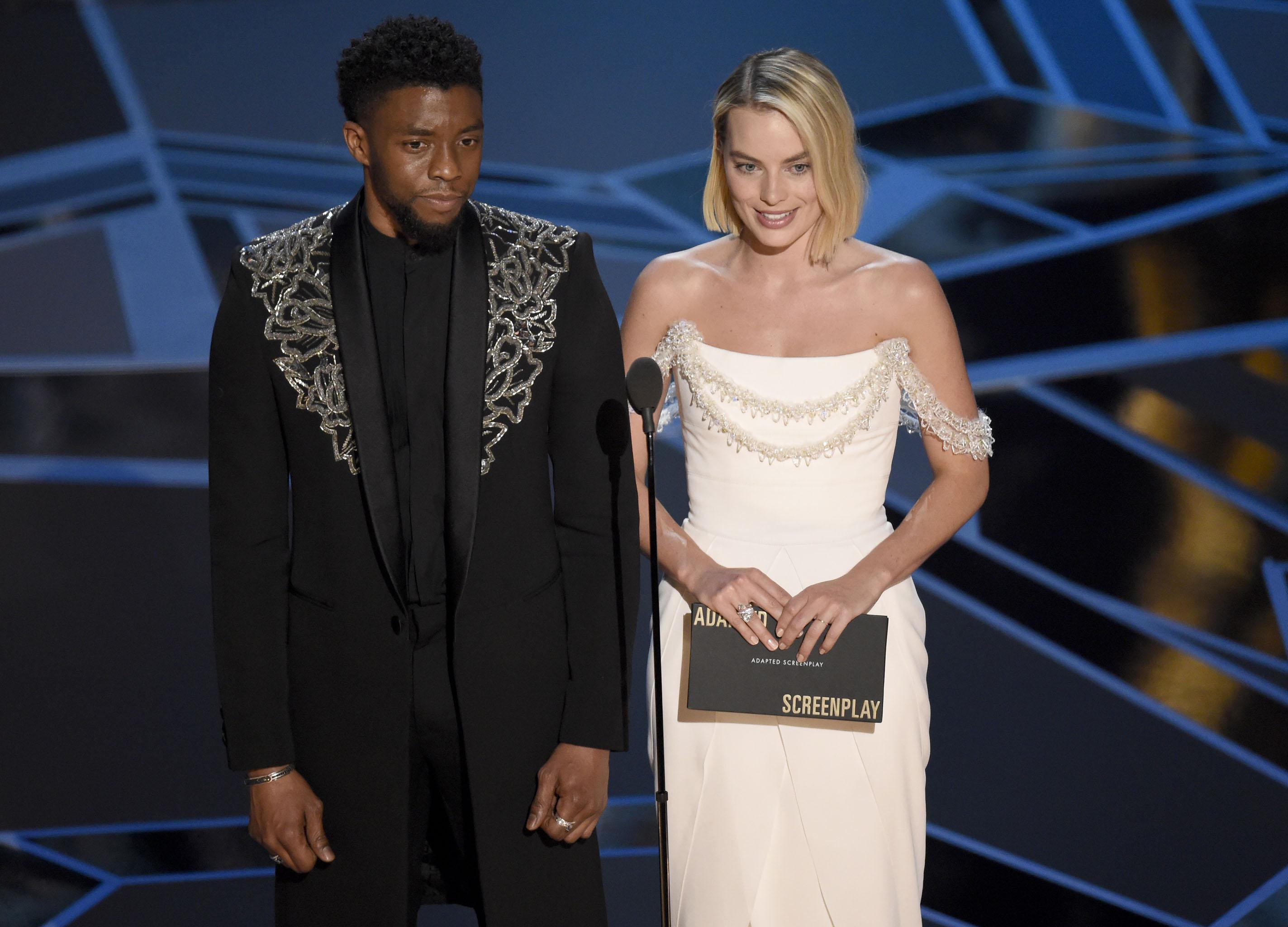 Fekete Párduc és Harley Quinn a legjobb adaptált forgatókönyvnek járó díjat adták át együtt
