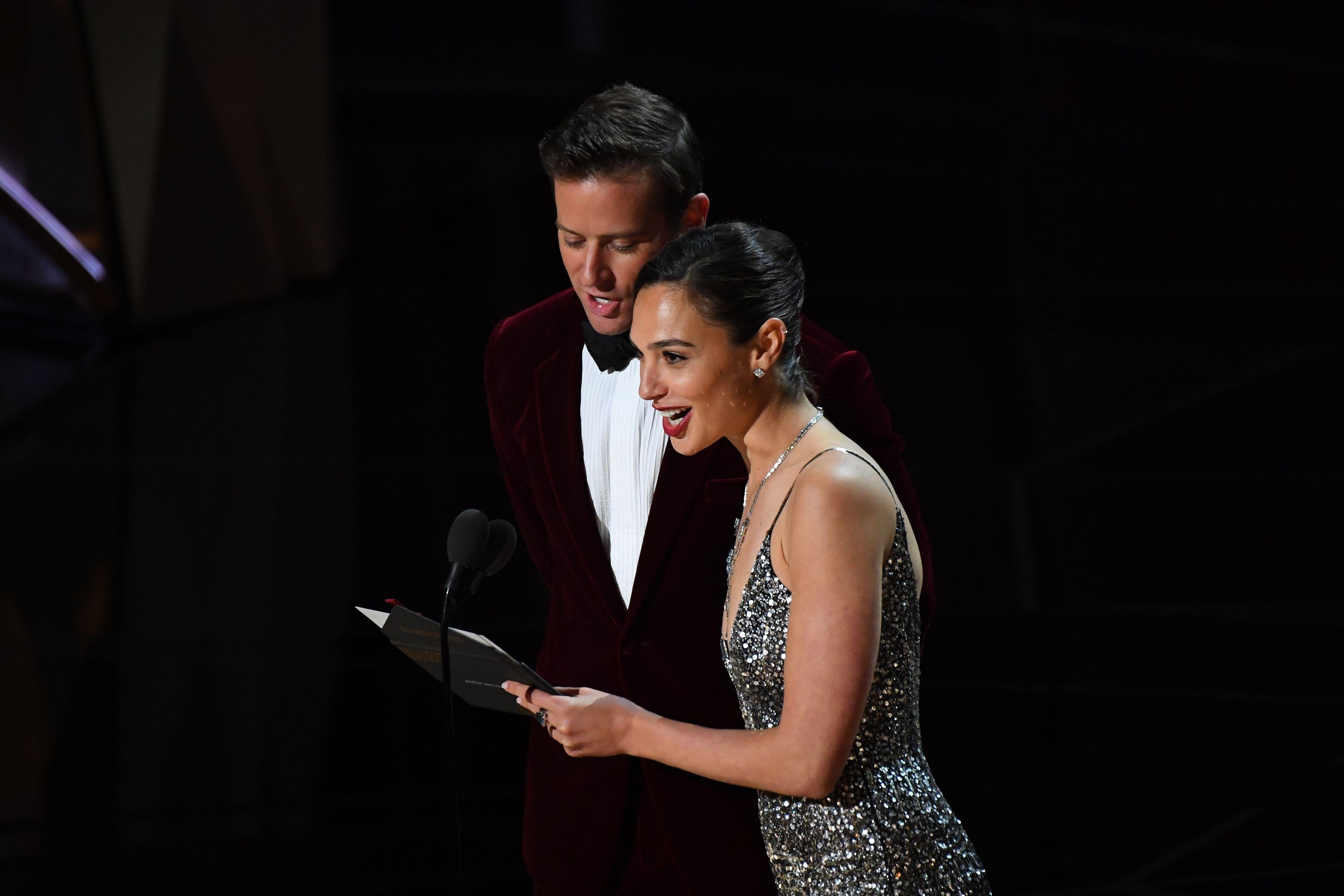 Annyira szívesen írnánk azt, hogy Diana Prince és Hal Jordan adta át a legjobb sminkért járó díjat