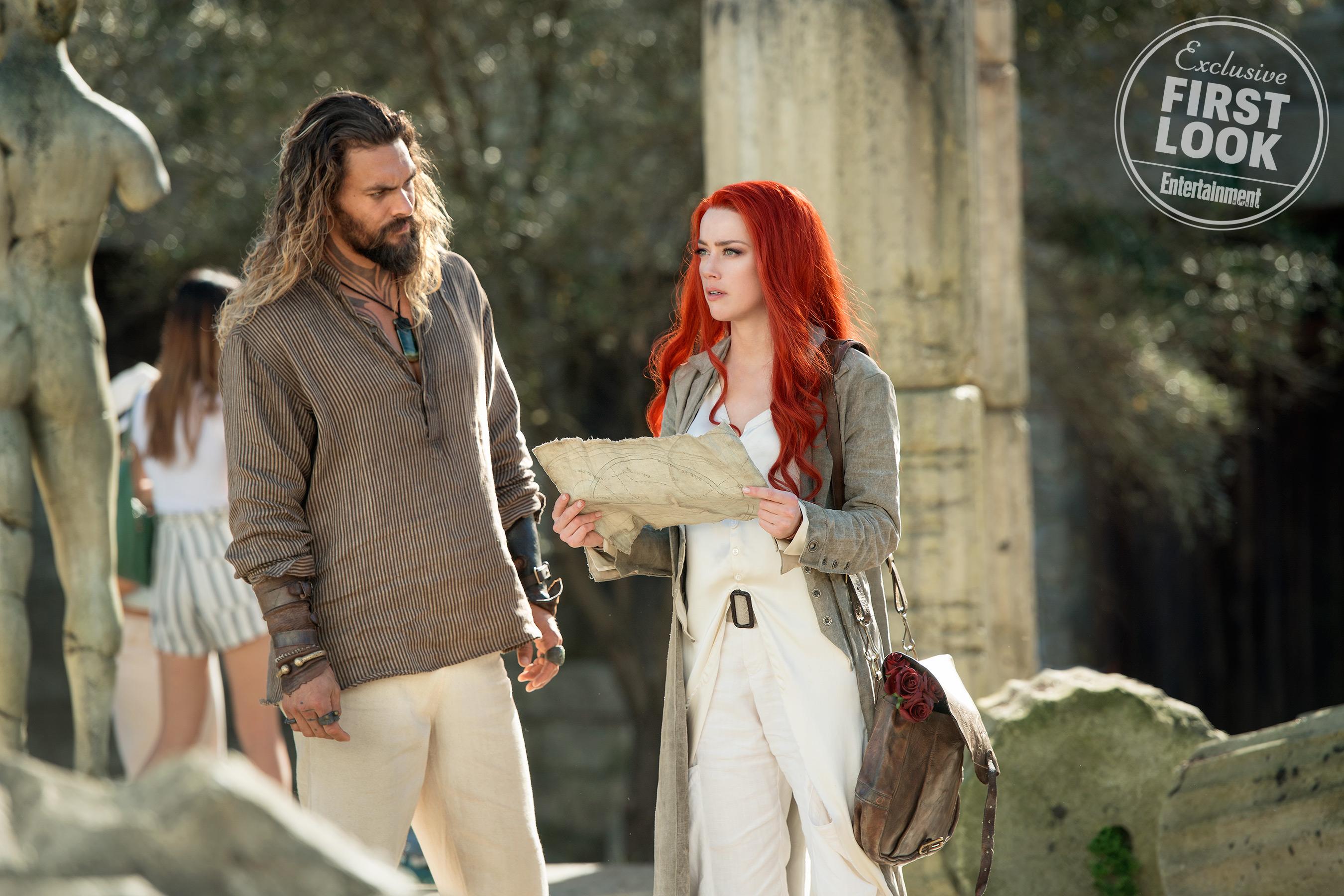 Arthur Curry és Mera (Amber Heard) egy szárazföldi kalandra indul.<br /><br />Jasin Boland/Warner Bros.