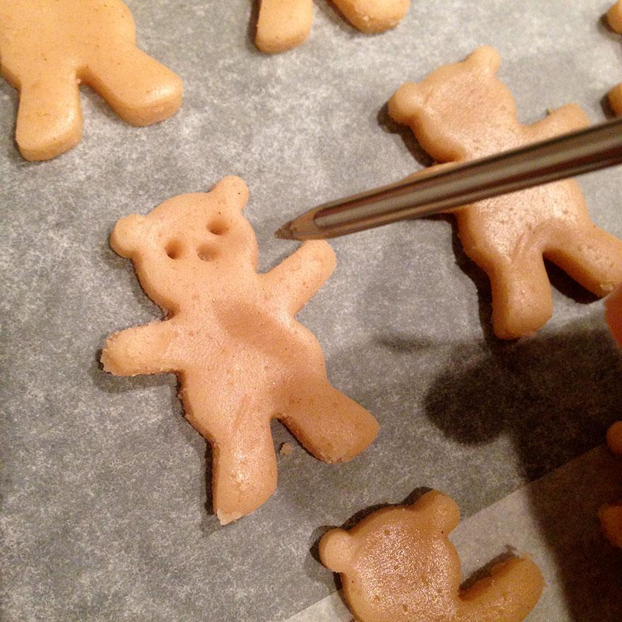 cute-hugging-bear-cookies-maa-tamagosan-3.jpg