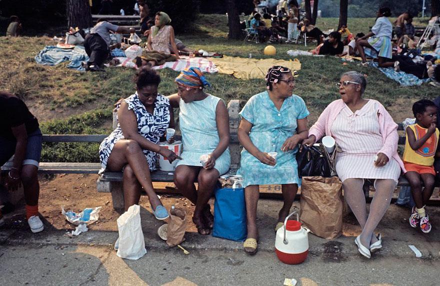 harlem-1970s-street-photography-jack-garofalo-6.jpg