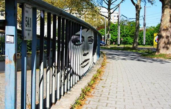 Hidden-Railing-Street-Art9-640x409.jpg