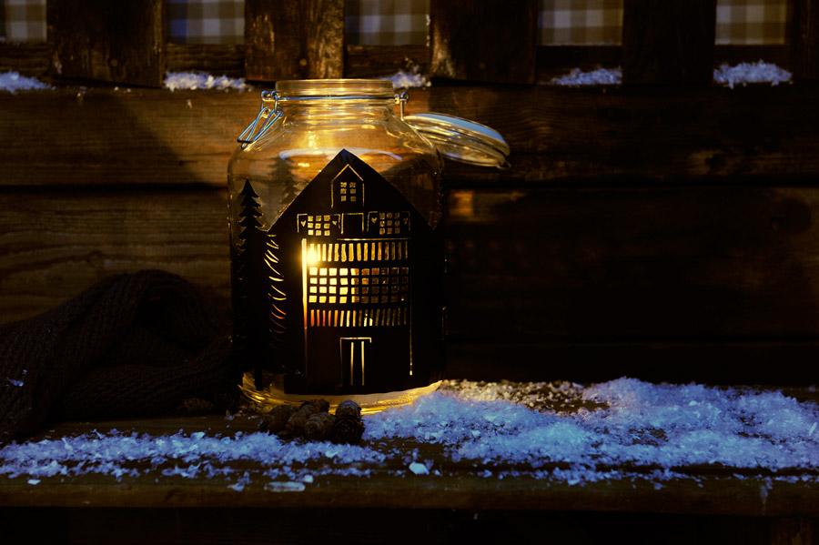 silhouette-lantern-christmas.jpg