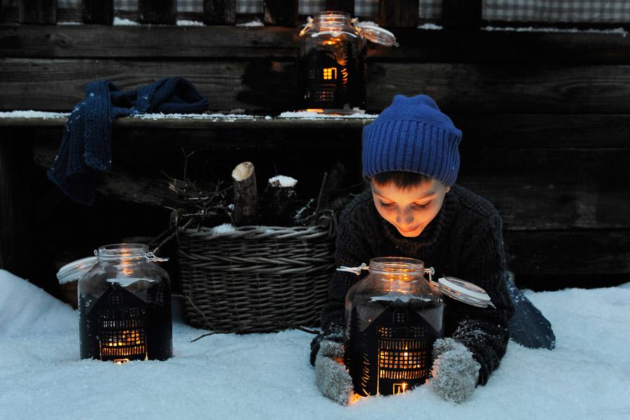 silhouette-lantern-kid-mason-jar-craft-idea.jpg