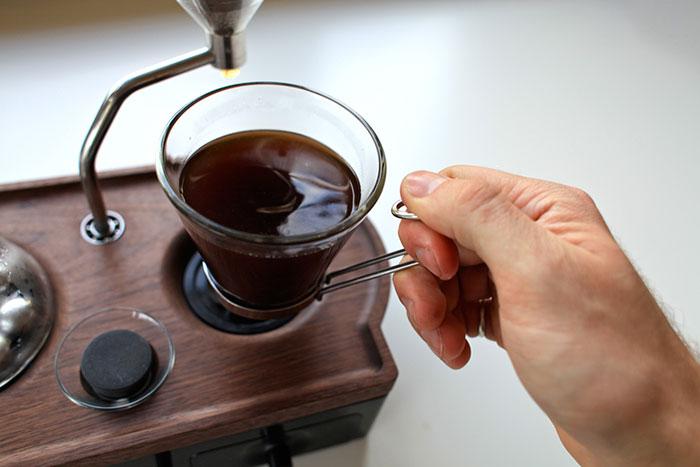 barisieur-coffee-maker-alarm-clock-joshua-renouf-10.jpg
