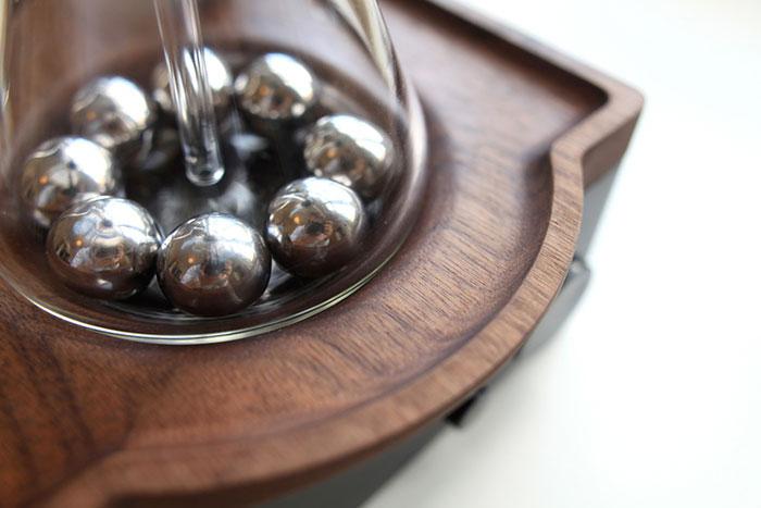 barisieur-coffee-maker-alarm-clock-joshua-renouf-7.jpg
