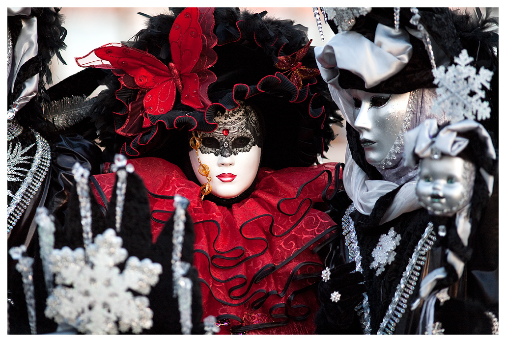 Venice_Carnival_2009___10_by_flemmens.jpg