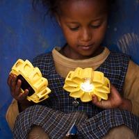 Tervezz fenntartható fényforrást afrikai otthonoknak!