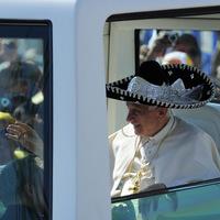 Nagyflanc mondja: Nézd, mi van a Pápán!