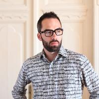 Szemüvegek bűvöletében - Interjú Zachary Milaskey szemüveg designerrel