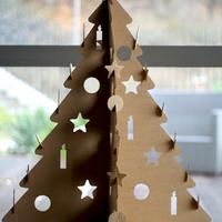 JÁTÉK: Nyerj karton karácsonyfát!