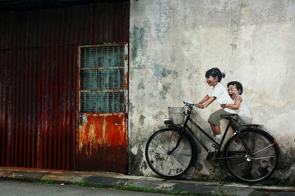 Street-Art-by-Ernest-Zacharevic-in-Penang-Malaysia-2-1-mini.jpeg
