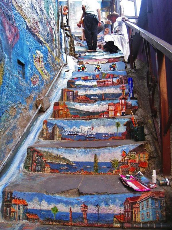 street_art_january_2011_6-chile-1.jpeg