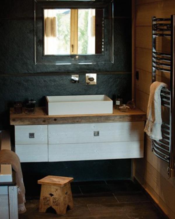 Salle-de-bain-chalet-traditionnel-deco-contemporaine_w641h478.jpg