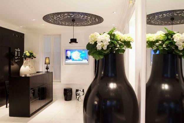 first-hotel-photo-bielsa-receptionip-03-md-1688x11261.jpg
