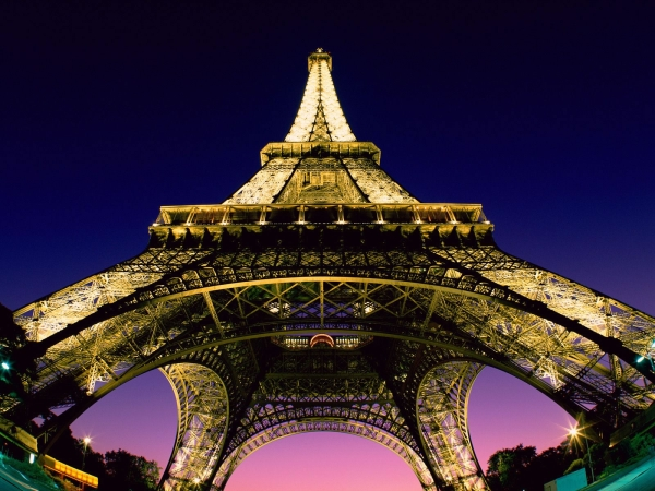 Eiffel-Tower-Night-Wallpaper.jpg