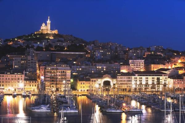 panoramic-view-radisson-hotel-marseille.jpg