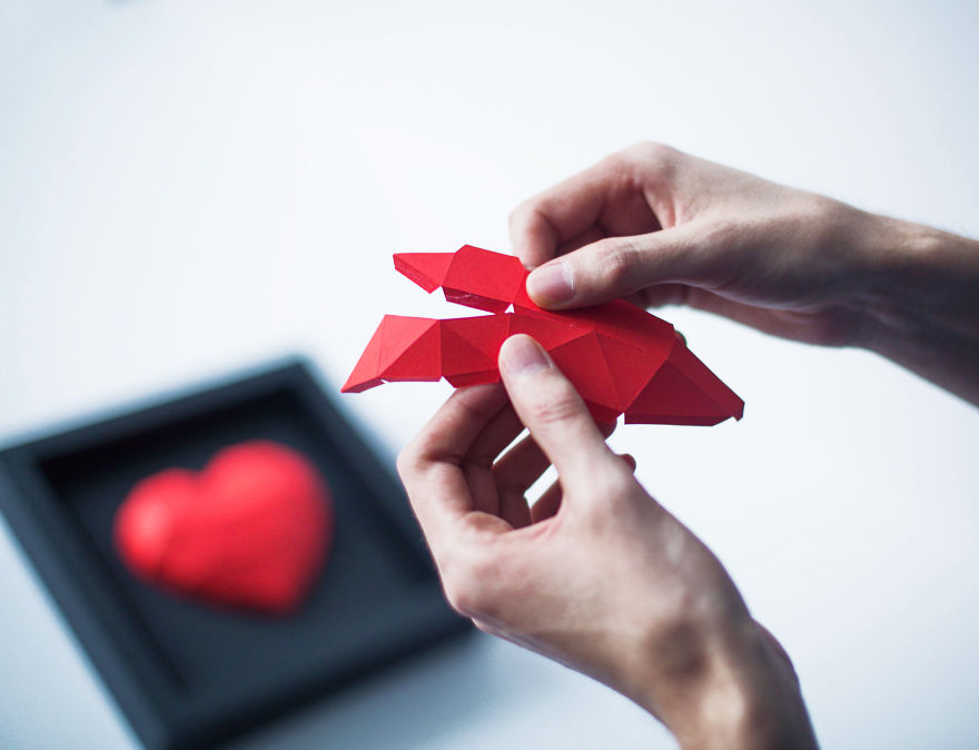 diy-paper-hearts-for-valentines-day-share-your-love-587eca58bc654_880.jpg