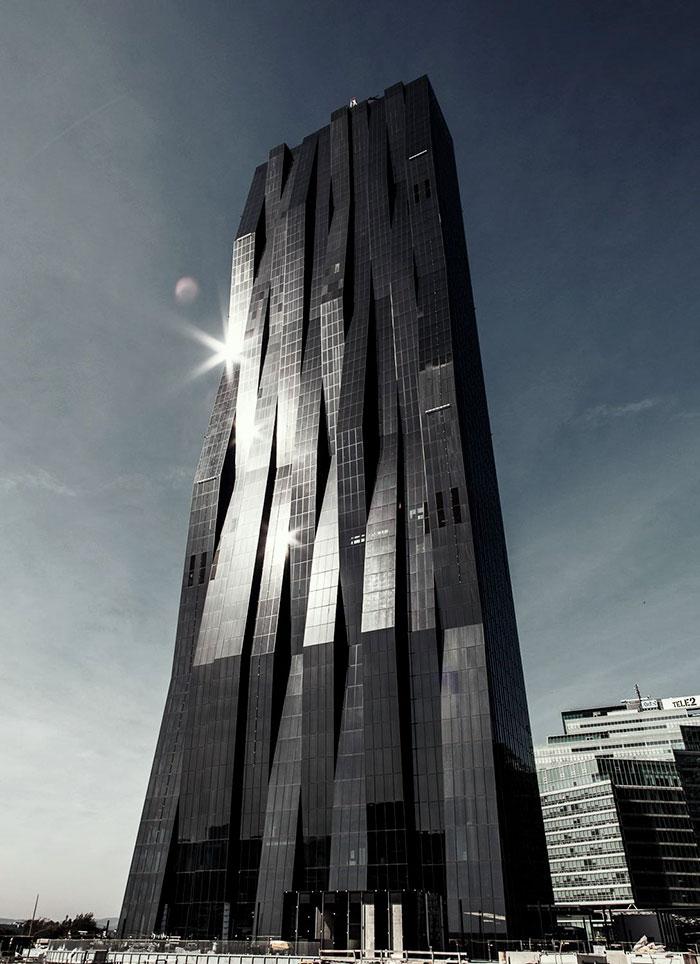 evil-buildings-82-586a42ac5954f_700.jpg