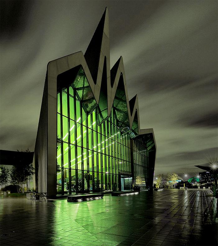evil-buildings-90-586a549e53395_700.jpg
