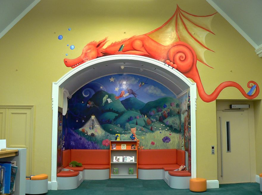 i-transformed-an-alcove-in-the-library-into-the-inside-of-a-childrens-book-5872432376bd6_880.jpg