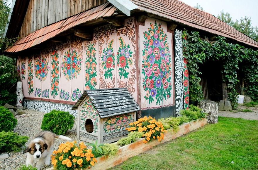 polish-village-floral-paintings-zalipie15-5892eba6ed71c_880.jpg