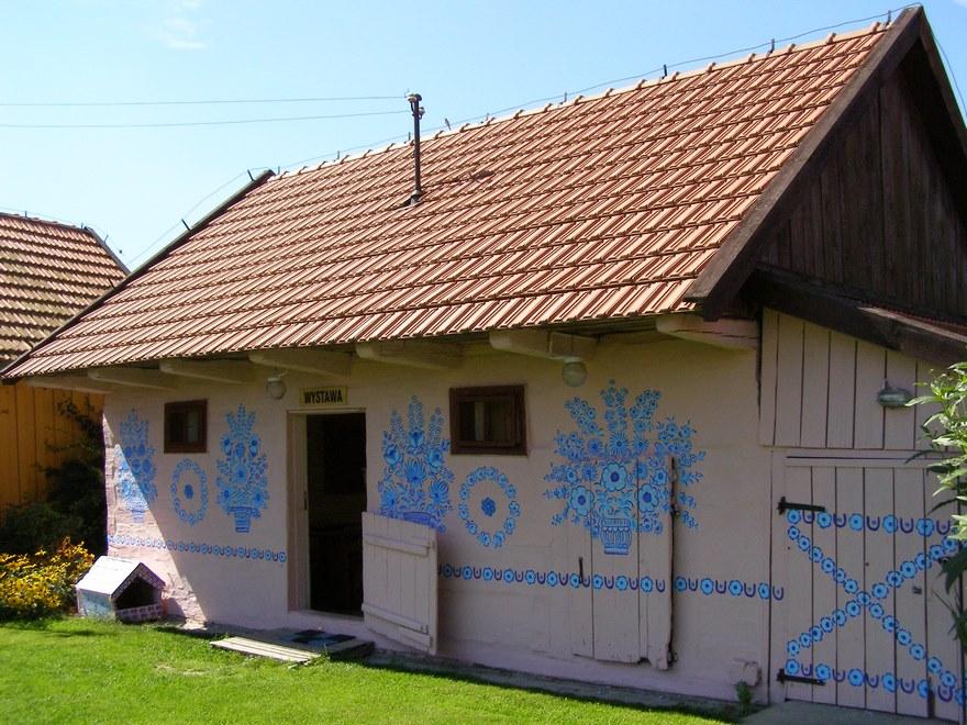 polish-village-floral-paintings-zalipie17-5892ebacd0088_880.jpg