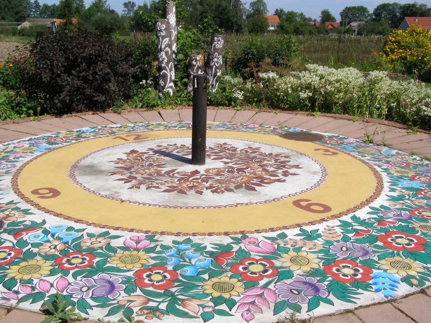 polish-village-floral-paintings-zalipie27-5892ebcace148_880.jpg