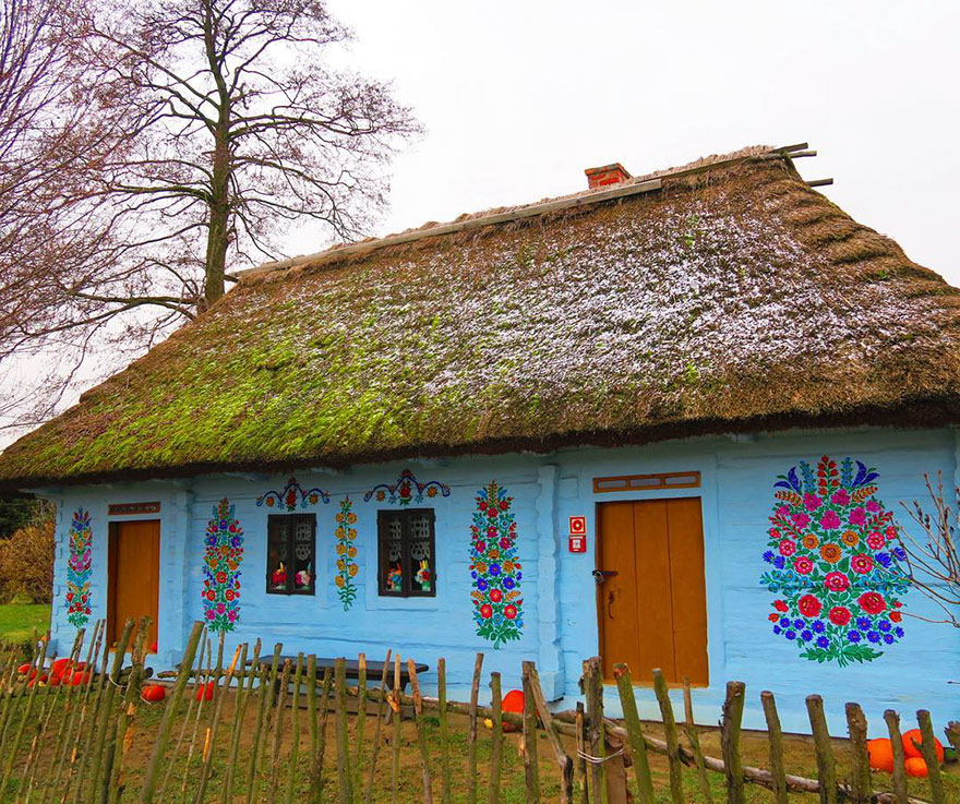 polish-village-floral-paintings-zalipie33-5892f4afb6d94_880.jpg
