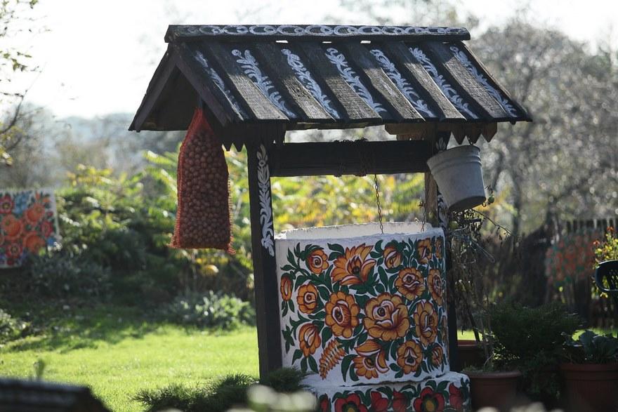 polish-village-floral-paintings-zalipie4-5892eb84bd3e0_880.jpg