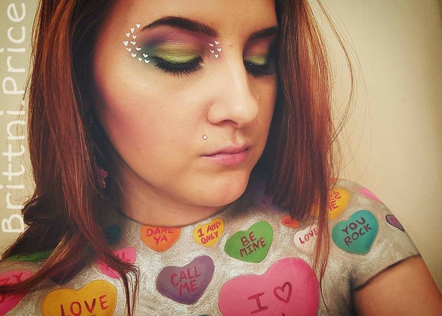 this-month-i-challenged-myself-to-create-valentines-day-themed-body-art-5_880.jpg