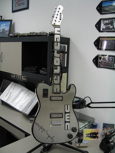 guitar501900404_26341d26f5.jpg