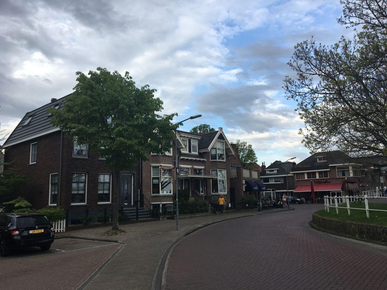 hollandia2019-nagyonjoszallas.jpg