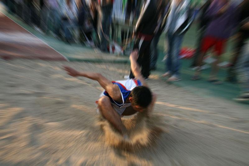 800px-long_jump_1.jpg