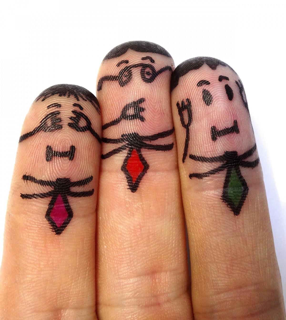 finger_man_not_hear_not_see_don_t_talk_finger_males_person_don_t_listen-935856.jpg