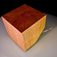 Világító fakocka - Dekorlámpa Julian Robin műhelyéből