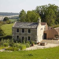 Rusztikus minimál: farmház bővítés az Egyesült Királyságban