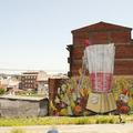 Streetart: zöldségek haláltánca diszkrét politikai üzenettel