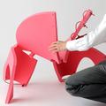 A jövő: olcsó, zúzható és szép design-szék gyerekeknek!