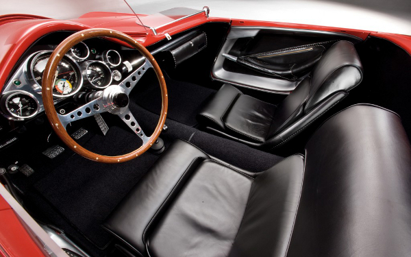 1960-Plymouth-XNR-concept-steering-wheel-and-gauges-01-1024x640.jpg