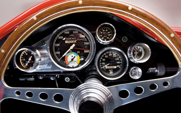 1960-Plymouth-XNR-concept-steering-wheel-and-gauges-1024x640.jpg