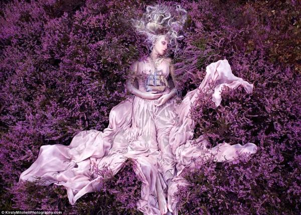 Kirsty-Mitchells-Wonderland-Pictures-03-600x430.jpg