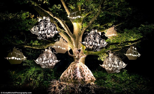 Kirsty-Mitchells-Wonderland-Pictures-10-600x367.jpg
