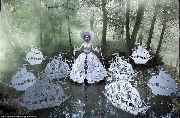 Kirsty-Mitchells-Wonderland-Pictures-12-600x392.jpg
