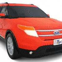 Őrületesen nagy Lego autó