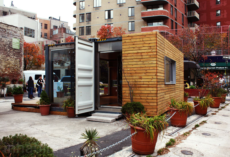 2013-06-20_shipping container home, NYC_1.jpg