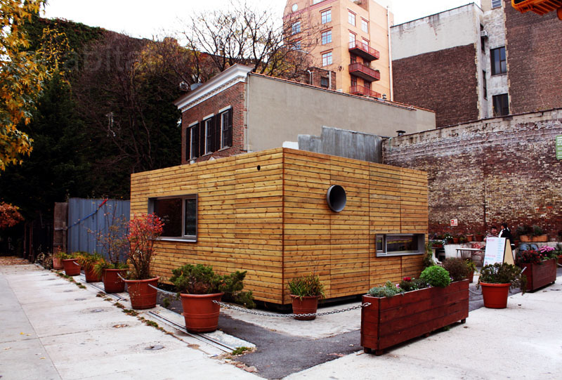 2013-06-20_shipping container home, NYC_3.jpg