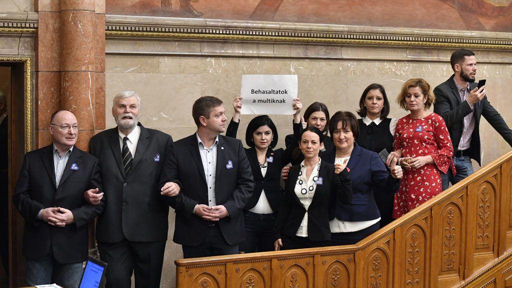 Az ellenzék legjobb döntése lehet az árnyékparlament