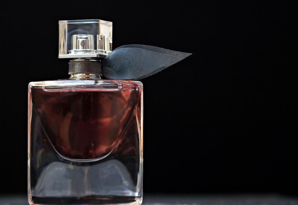 perfume-2142817_960_720.jpg