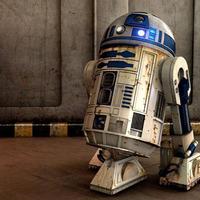 Szeretnél egy icipici, távirányításos R2-t?